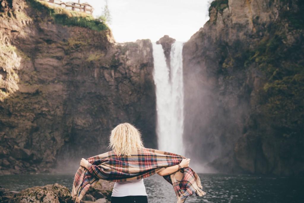 waterfalls-1150068_1920